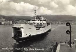 NAVE TRAGHETTO CARIDDI  MESSINA  SICILIA  VIAGGIATA  COME DA FOTO  CON PICCOLO TAGLIO - Ferries
