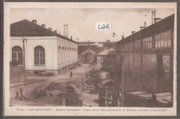 71----LE CREUSOT--Usines Schneider--cour De La Chaudronnerie Et Station Controle D'électricité - Le Creusot