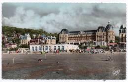 Cpsm - Houlgate - La Plage, Le Casino Et Le Grand Hôtel - 1959 (9x14 Cm) - Houlgate
