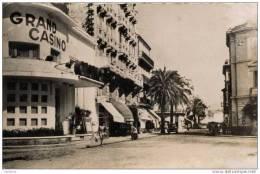 83-SAINT-RAPHAEL-cpsm-Le Casino Et L´Avenue Félix Martin - Saint-Raphaël
