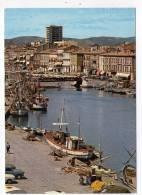CPM 10*15/A2773/SETE LE CANAL ET LA VILLE 1980 BATEAUX DE PECHE - Sete (Cette)