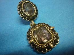 BOUCLE D'OREILLE UNIQUE Argent ORNEE De 2 PIERRES TAILLEES ( Voir 2 Photos  Et Descriptif ) - Earrings