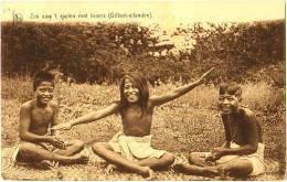 Missiezusters Opwijck - Zus Aan't Spelen Met Broers (Gilbert-eilanden) - Kiribati