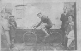 FRASNES LEZ BUISSENAL - Rue Basse - Carte Très Animée Avec Courreur Cycliste - Frasnes-lez-Anvaing