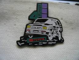 Pin´s  TOYOTA 4 Roues Motrices - Toyota