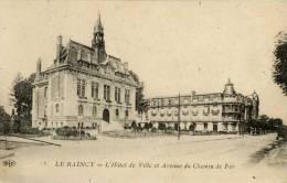 93- Le RAINCY- L´Hôtel De Ville Et Avenue Du Chemin De Fer-ELD - Le Raincy