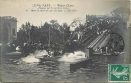 LUNA PARK ARRIVEE SUR LE LAC D'UN BATEAU - Unclassified