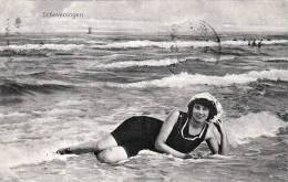Erotik Strand Bademode Erotik, Junge Frau Im Badeanzug Liegend Am Strand Anno 1910, Karte Gelaufen Um 1913, P29 Stempel - Mode