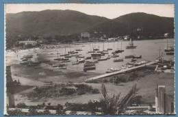 83 - CAVALAIRE -- Le Port Et La Plage - 1957 - Cavalaire-sur-Mer