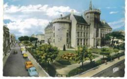 CPSM  Angoulème L'Hotel De Ville Et Les Jardins - Angouleme