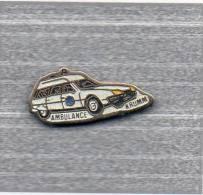 Pin´s  Médical, Automobile  Citroën  Blanche, Ambulance  KRUMM - Citroën