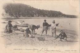 33 ARCACHON  CPA 1903  Les PARQUEUSES D´ HUITRES Bord De MER - Arcachon