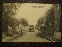 """CPA ARNOUVILLE LA GARENNE Rue De La Fraternité Calèche Du Marchand Ambulant """"BUECHER Rue De Paris à Gonesse"""" - Arnouville Les Gonesses"""