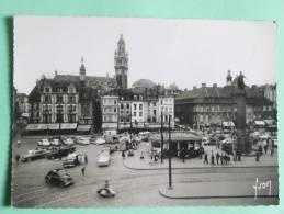 LILLE - Place Du Général De Gaulle Et Le Beffroi - Lille