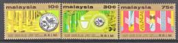 Malaysia  135-7   *   SCIENCE  RUBBER - Malaysia (1964-...)