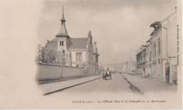 VAUX .( La Grande Rue Et Le Chateau De La Martiniere ) - Vaux De Cernay