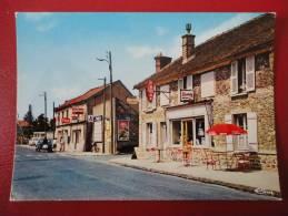 Lardy (91) Le Tabac Et La Pompe à Essence Route Nationale - Lardy