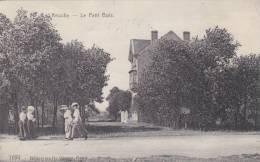 Knokke Le Petit Bois     Animée  N ° 1694 - Knokke