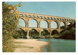 """LE PONT DU GARD : """"Aqueduc Romain Construit Peu Avant J. C."""" - Les Belles Images Du Gard - France"""