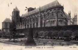 BOURGES (18) ABSIDE DE LA CATHEDRALE - CPA N/B - VOYAGEE EN 1915 - FRANCHISE MILITAIRE - Bourges