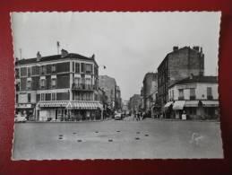 Asnières ( 92 )  : La Place Voltaire - Asnieres Sur Seine
