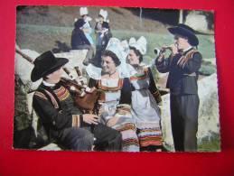CPSM 29  FOLKLORE DE FRANCE LA BRETAGNE  REGION PONT AVEN RIEC SUR BELON NEVEZ  DUO ANIMEE DONT MUSICIENS VOYAGEE 1965 - France