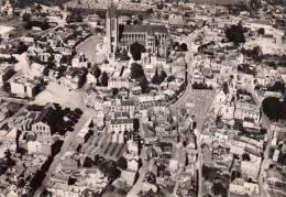 60 - Noyon : Vue Aérienne - La Cathédrale - CPM écrite - Noyon