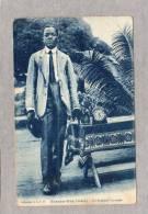 32662   Gabon,  Fernan-Yaz  -  Un  Homme  A La  Mode,  NV  (scriitta) - Gabon