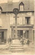 19 Corrèze _ Meymac _ Croix De La Place (et Son Photographe) - Otros Municipios