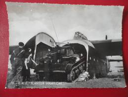 RAF Planeur Hamilcar Avec Son Tank Tetrarch - Flugzeuge
