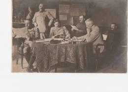 MILITARIA  -  FAULX  - 54 -  Réunion Dans Le Château - Personnages