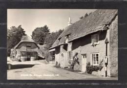 32801    Regno  Unito,  I. W.  -  Godshill -  The  Village,  VG - Inghilterra