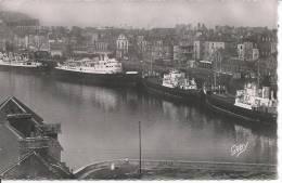 DIEPPE - Le Quai Henri IV Et La Gare Maritime - Dieppe