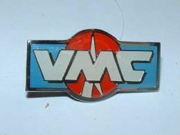 Pin´s - VMC - Fabriquant D'Hameçon - Pin's