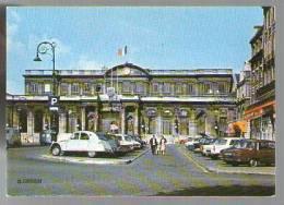 Jolie CP 33 Bordeaux L' Hôtel De Ville - Ed La Cigogne 33.063.156 - Vieilles Voitures Dont 2 CV Citroën - Bordeaux