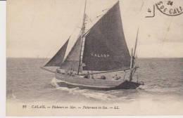 BATEAU . CALAIS ( 62 ) PECHEURS EN MER . Voilier GAL 189 - Pêche