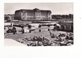 14-DEAUVILLE-plage Fleurie-le Royal Hôtel Et Le Bar Du Soleil-4cv-animé - Deauville