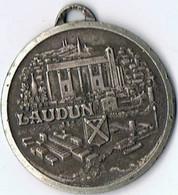 Médaille     Gard  Laudun     30 Mm  Marquée  France - Gioielli & Orologeria