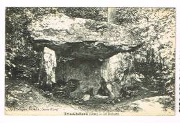 TRIE-CHATEAU  ( Oise )  Le Dolmen - France