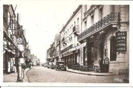 LE CREUSOT HOTEL MODERNE RESTAURANT GARAGE  POMPE ESSENCE PREMIER PLAN Rue Jean Jaures - Le Creusot