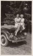 Photo D´époque 1930 La Vie Au Château De Braives Auto Automobile Dans Le Parc - Automobiles