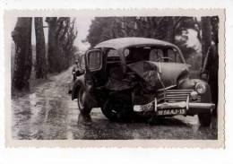 AUTOMOBILES . PHOTO ACCIDENT DE VOITURE VERS AIX-EN-PROVENCE , 1954 - Automobiles