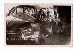 AUTOMOBILES . PHOTO ACCIDENT DE VOITURE VERS SAINT-MARTIN-DE-CRAU , 1955 - Automobiles