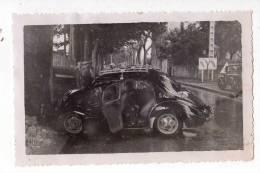 AUTOMOBILES . PHOTO ACCIDENT DE VOITURE VERS PEYROLLES , 1955 - Automobiles
