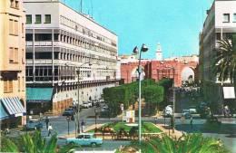 SFAX - Avenue Principale  - Animation Avec Véhicules (R8 / DS / 4 Cv / Aronde .. Et 1 Attelage Avec Cheval) - TBE, Neuve - Tunisia