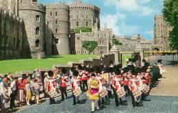 32992    Regno  Unito,     Band Of  The  1st  Battalion  Irish  Guards  Leaving  Windsor  Castle,  NV - Windsor Castle