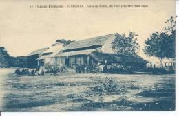 CONGO FRANCAIS - KINDAMBA - Chez Les Soeurs, Les Filles Préparent Leurs Repas - Congo Français - Autres