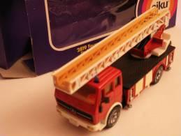 Véhicule Miniature De Pompiers - Siku