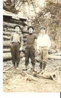 Trois Jeunes Boucherons Probablement En Quebec Three Young Woodsmen Probably From Quebec Photo Veritable - Industry