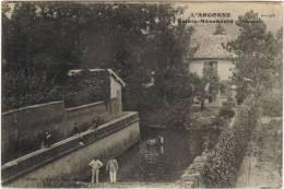 Carte Postale De Sainte Ménéhould L'abreuvoir - Sainte-Menehould